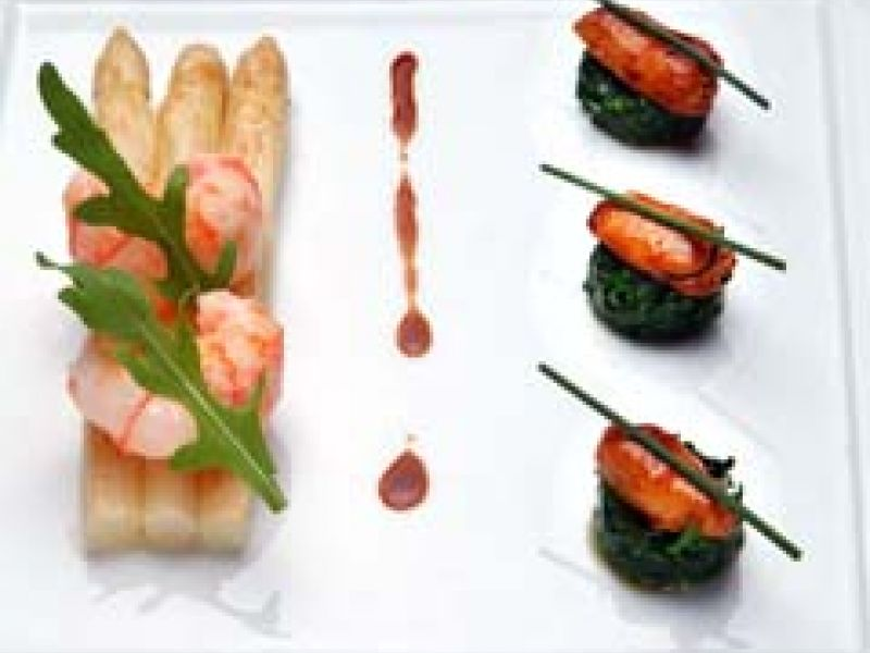 Fried asparagus with langoustines and sot l'y laisse