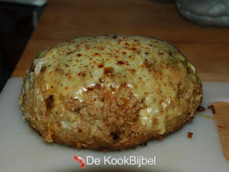 Meatloaf with cheese and chili