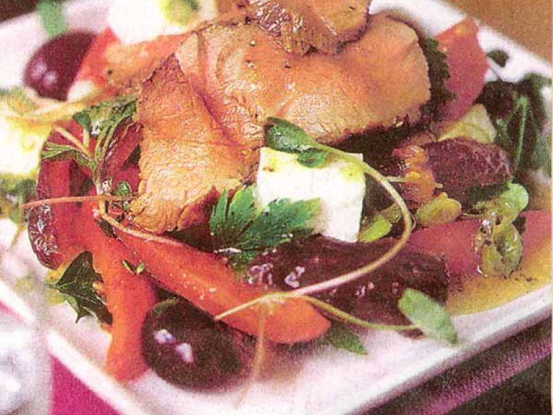 Lamb meat salad with honey dressing