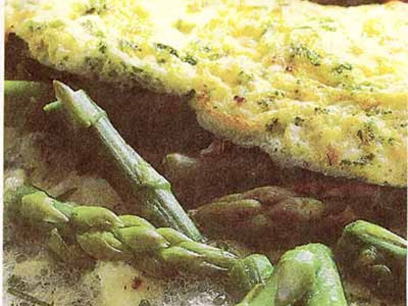 Protein omelet with asparagus and herbs