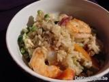 Nasi gorenig met kip en scampi