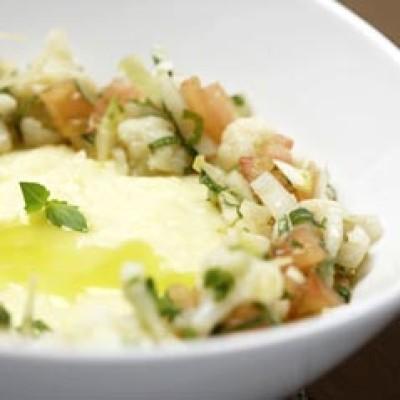 Aardappelmousseline, witloof en tomaat