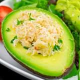 Avocado's gevuld met krab