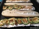 Baguette provencaal met geitenkaas en gegrilde courgette