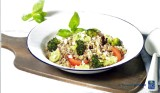 Couscoussalade met broccoli, tomaat en broccolipesto