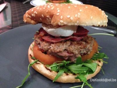 Hamburger Caprese