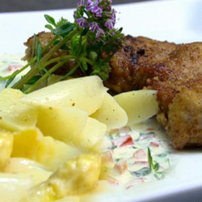 Gepaneerd kalfslapje met asperges en kruidenmousseline