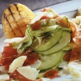 Laagjessalade met komkommer en Meesterlyck ham
