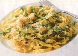 Pasta sint-jakobsschelpen, bosuitjes en dille