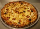 Pizza met merguez en fetakaas