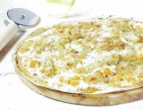 Pizza met pangasius en gegrilde pompoen