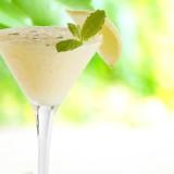 Cocktail met crema di limoncello en prosecco