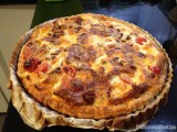Quiche margherita met chorizo