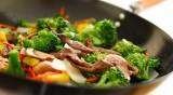 Rundsvlees met gewokte soepgroenten