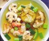Oosterse wonton soep met scampi