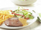 Steak met romige pestosaus